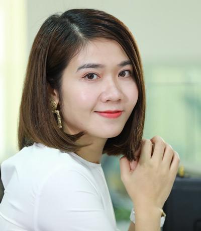 Bà Hoàng Thu Hà - Account Director