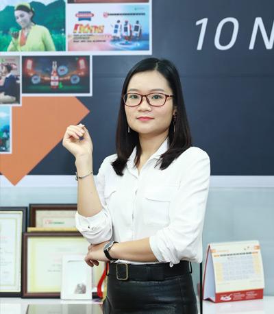 Bà Lê Thị Hoà - Trưởng phòng khách hàng 1