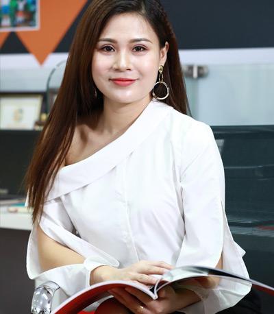 Bà Khuất Thu Quỳnh - Trưởng phòng khách hàng 2